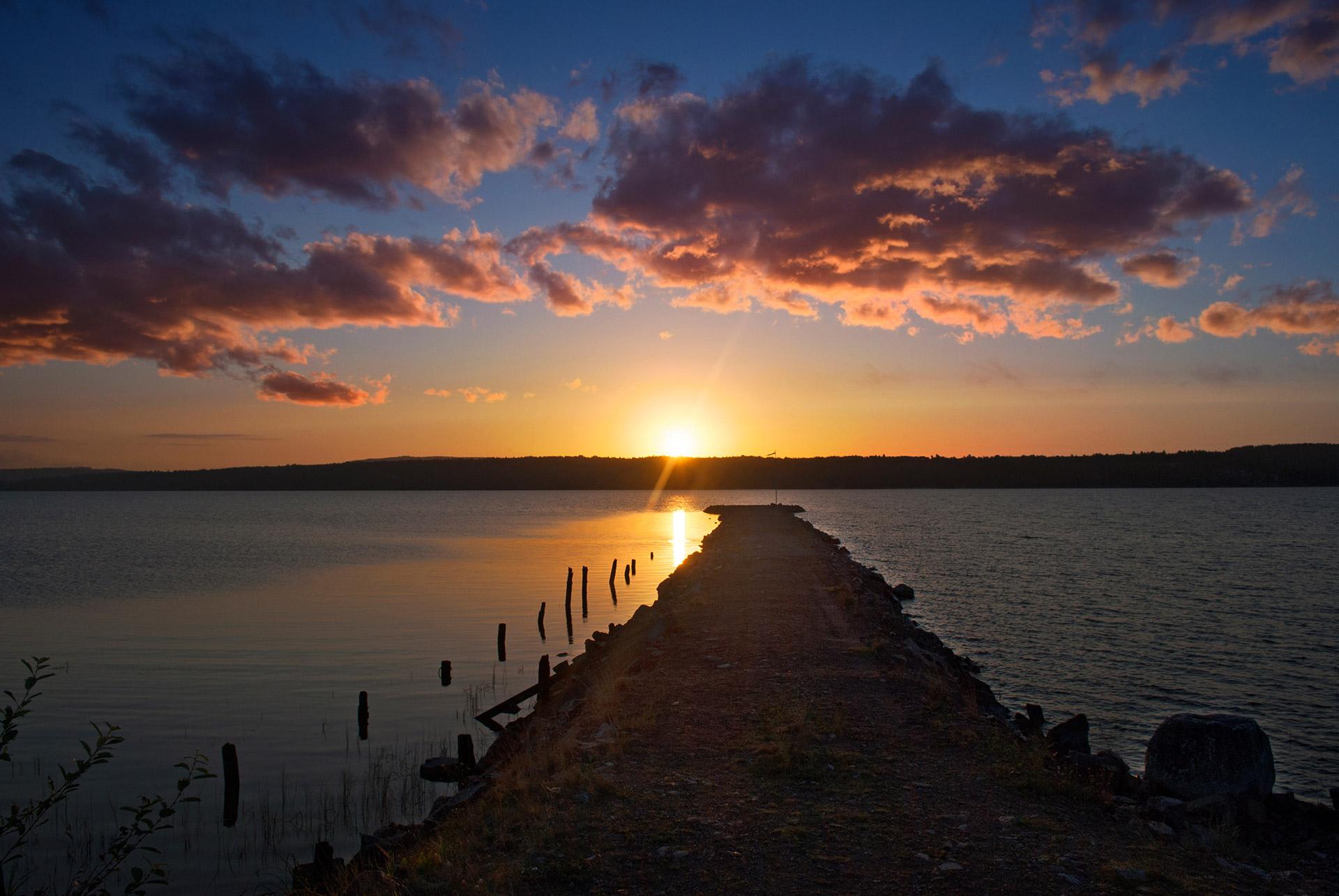 Fornby pir soluppgång